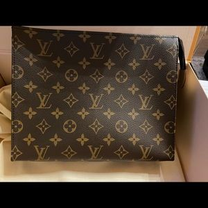 Brand New Louis Vuitton Monogram Toiletry Pouch 26